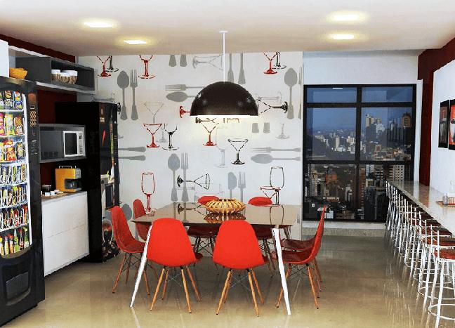 4. Os papéis de parede mais resistente a umidade podem ser fixados na cozinha, banheiro e lavanderia. Foto: Habitissimo