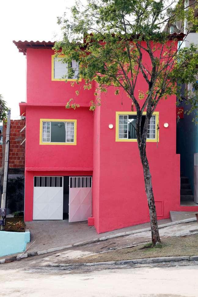 72. Ideia de cores para fachada de casas em vermelho moderno – Foto Pinterest