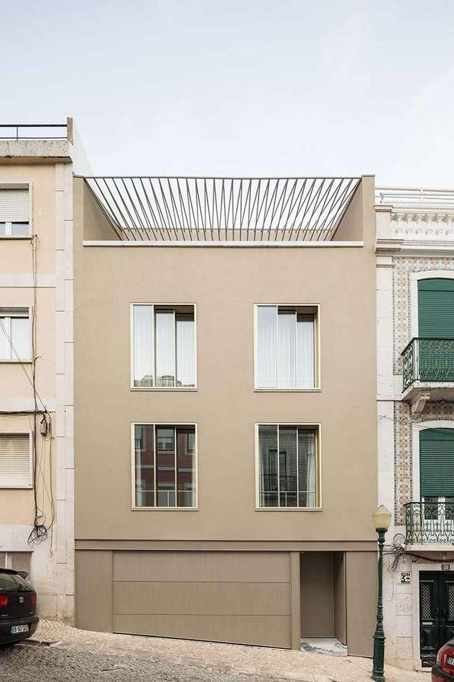 2. Cores para fachada de casas em bege modernas – Foto Pinterest