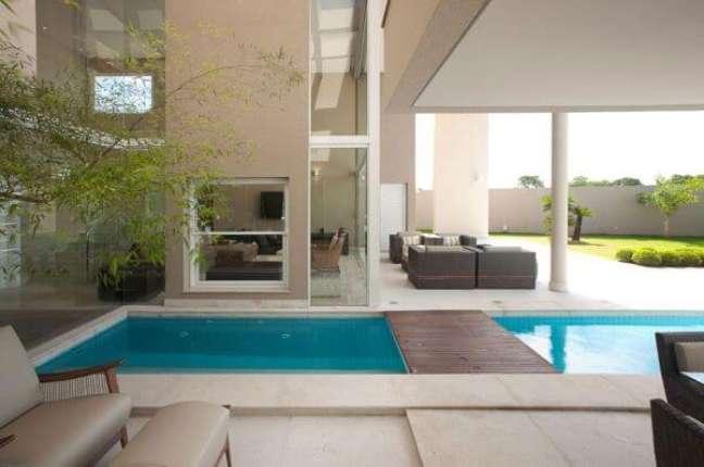 42. As piscinas modernas também podem ser cobertas – Foto Gil Carlos de CAmillo