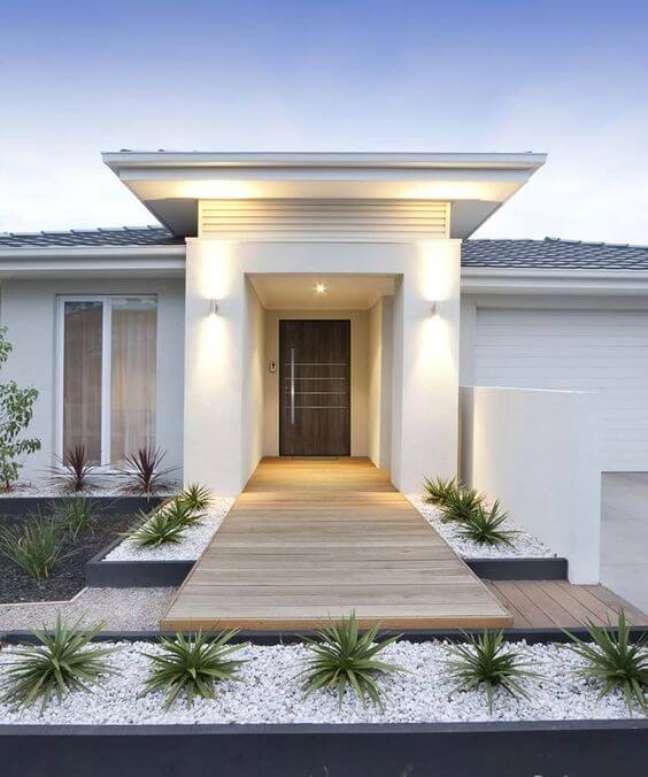74. Ideias de cores para fachada de casas modernas em tons claros – Foto Flip