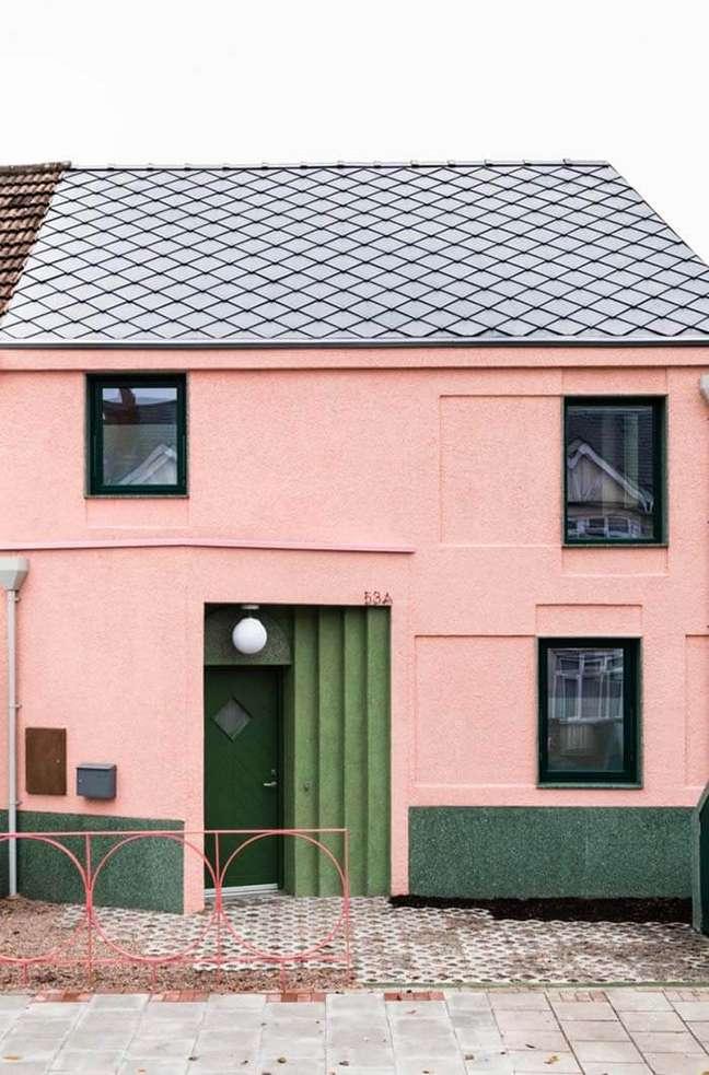 26. Cores para fachada de casas rosa e verde – Foto Pinterest