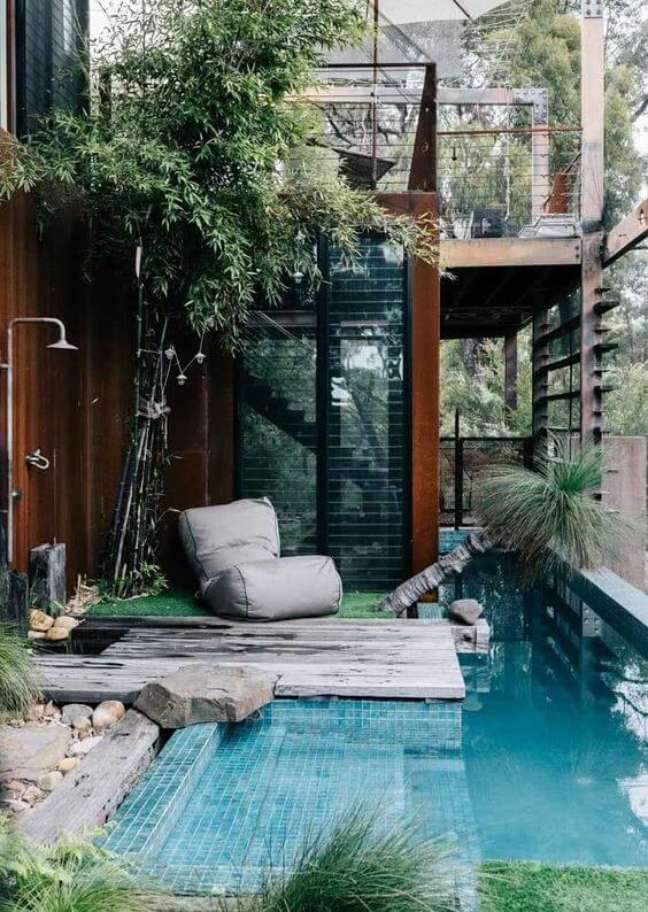 122. Quintal pequeno com piscinas modernas – Foto Decor Facil