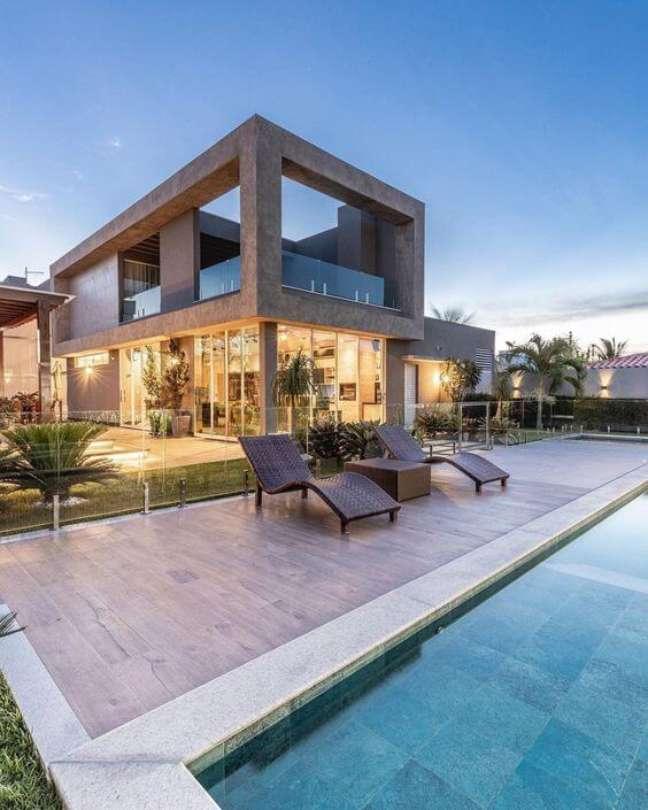 44. Capriche na decoração das piscinas modernas- Foto Pinterest