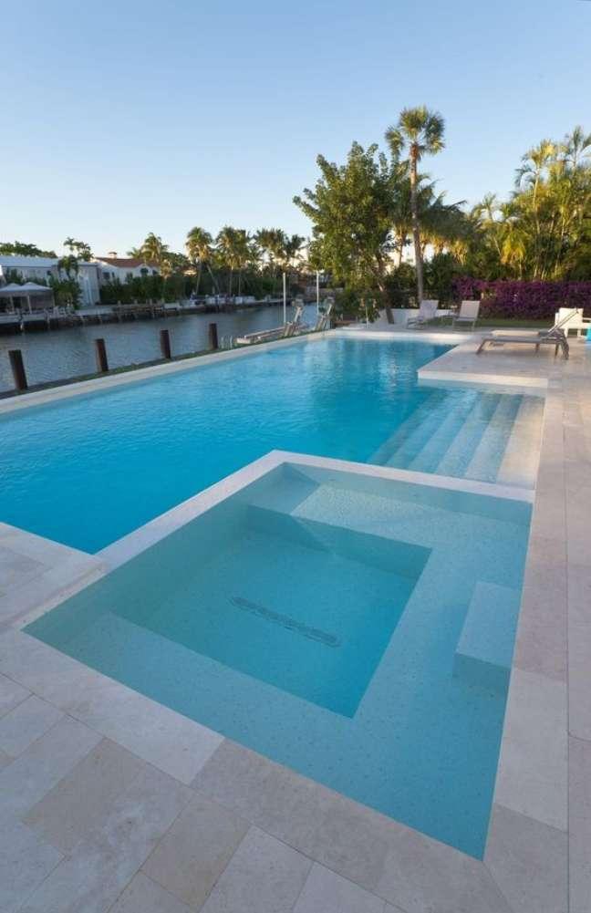 101. Piscinas modernas com piscina infantil – Foto Trend Group