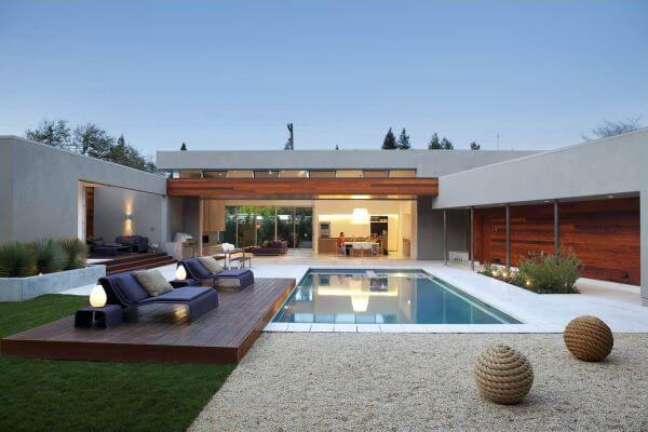 16. Móveis para piscina moderna – Foto Revista VD