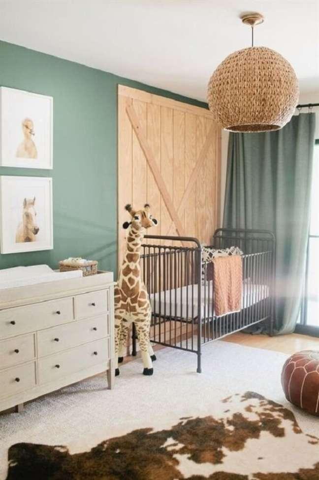 4. A decoração de quarto de bebê safari remete à natureza. Fonte: Pinterest