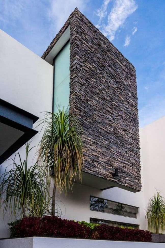 21. Cores para fachada de casas com pedras na decoração – Foto Homify
