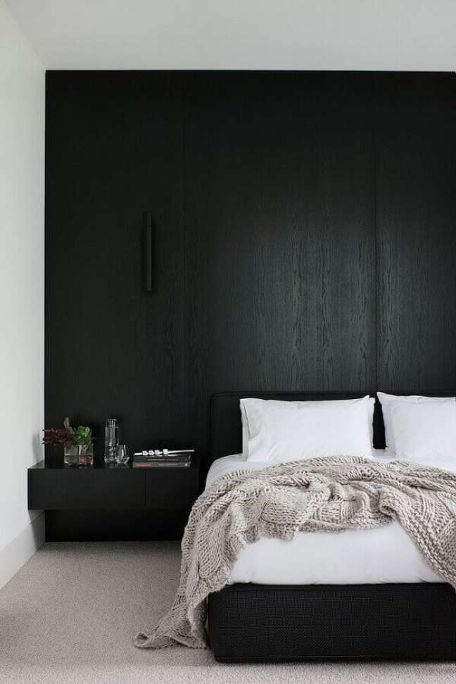 15. Decoração de quarto minimalista preto e branco – Foto: Lolafá