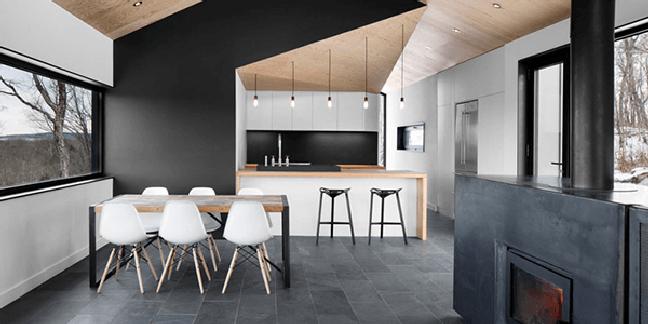 29. Casa com ardósia preta no piso e revestimento da parede – Foto Pinterest
