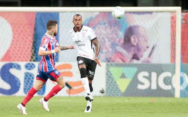 Raul Gustavo vai voltar a ser titular do Corinthians neste domingo
