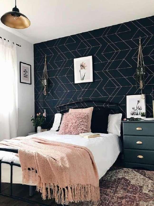 42. Papel de parede para decoração de quarto preto e branco feminino – Foto: Graham & Brown
