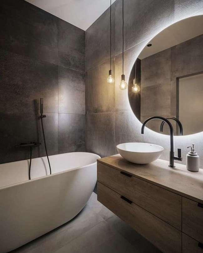 6. Revestimento de ardósia preta para banheiro moderno – Foto Mawi Tegels BV
