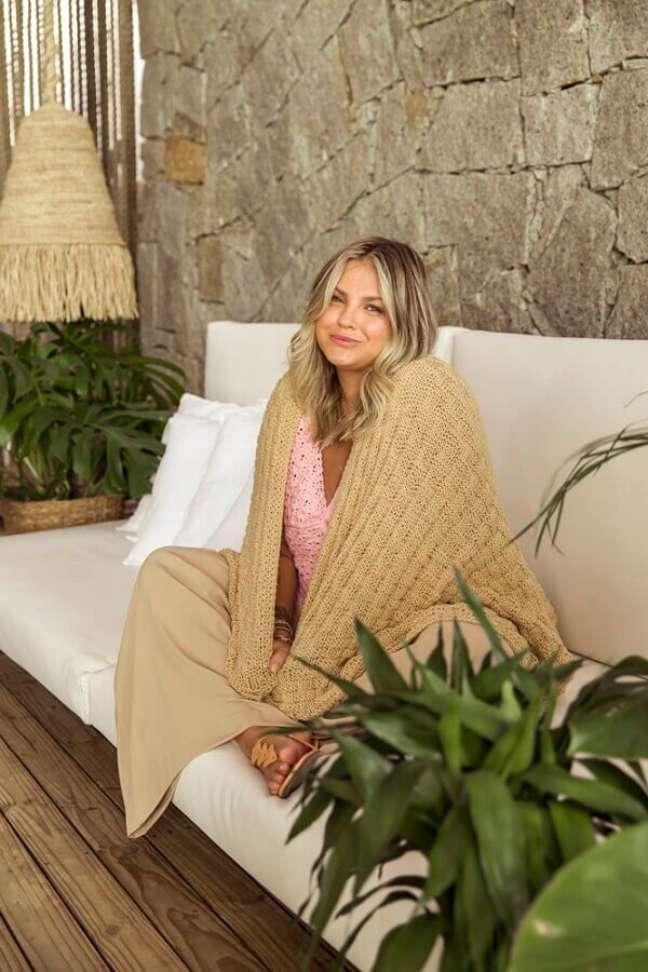 10. Manta artesanal para se aquecer no home office – Foto: Círculo