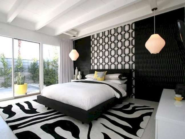 41. Papel de parede 3D para decoração de quarto de casal preto e branco grande – Foto: Pinterest