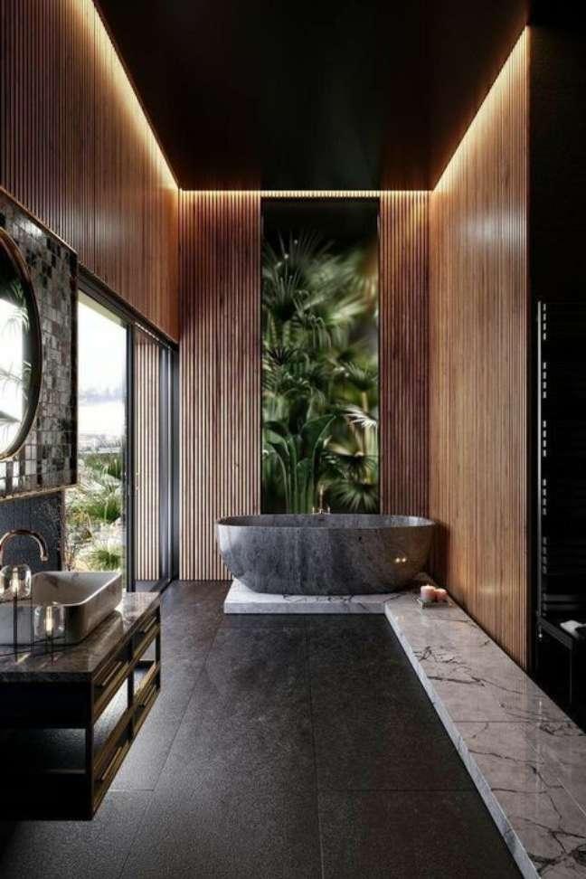 9. Banheiro com piso de ardósia preta e banheira cinza – Foto Pinterest