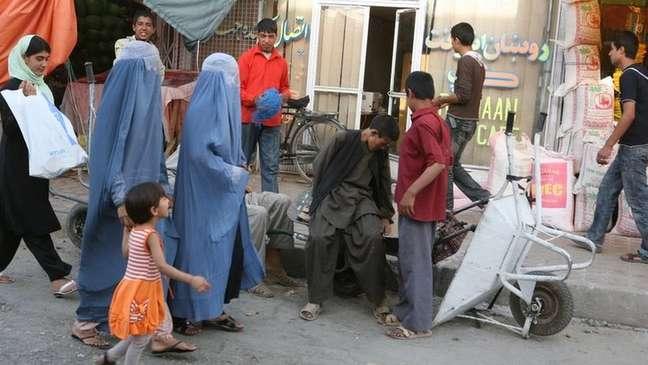 Com a queda do Talebã, após a entrada de tropas americanas, algumas das famílias que se refugiaram no Brasil em 2002 decidiram voltar ao Afeganistão