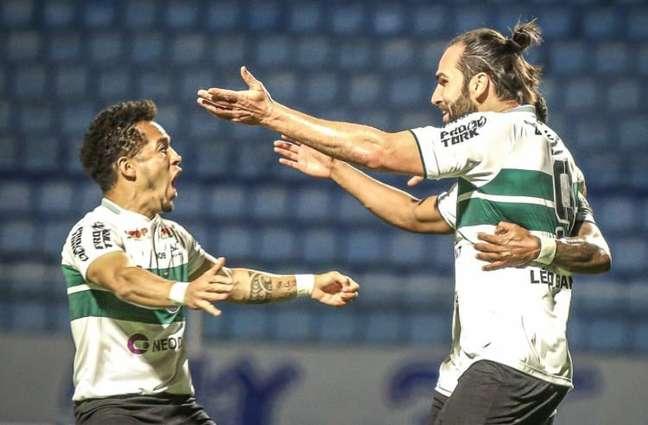 Centroavante fez o gol da vitória do Coxa em SC (Divulgação/Coritiba)