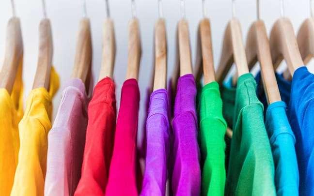 A cor da sua roupa pode ajudar a agarrar seu amor -