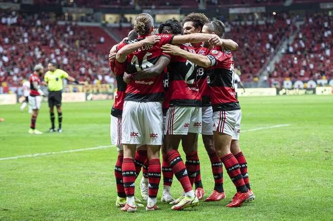 Jogadores do Flamengo comemoram vaga na semifinal da Libertadores
