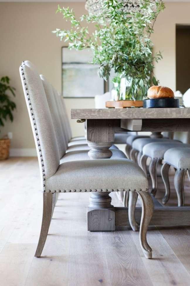 29. Móveis vintage de madeira para sala de jantar – Foto Scout And Nimble