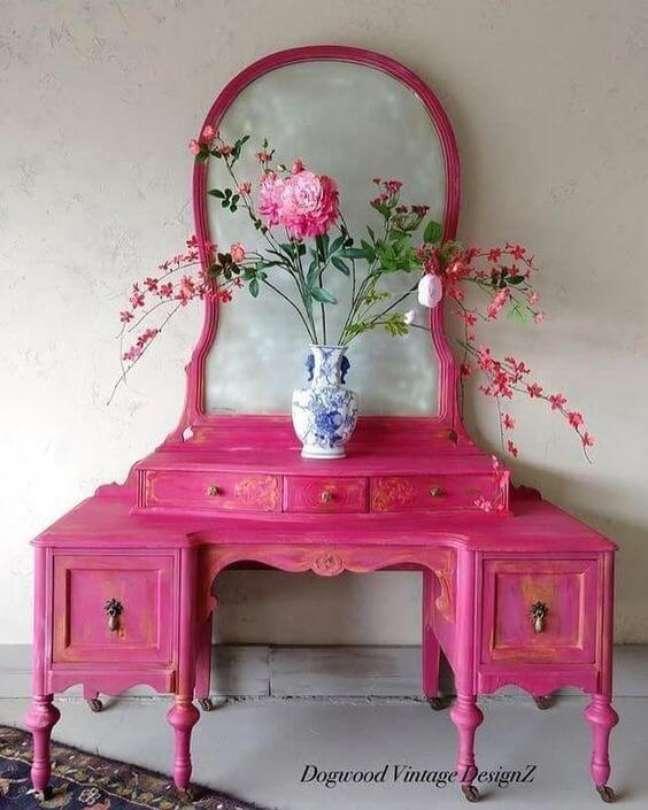5. Móveis vintage cor de rosa – Foto dogwood Vintage designZ