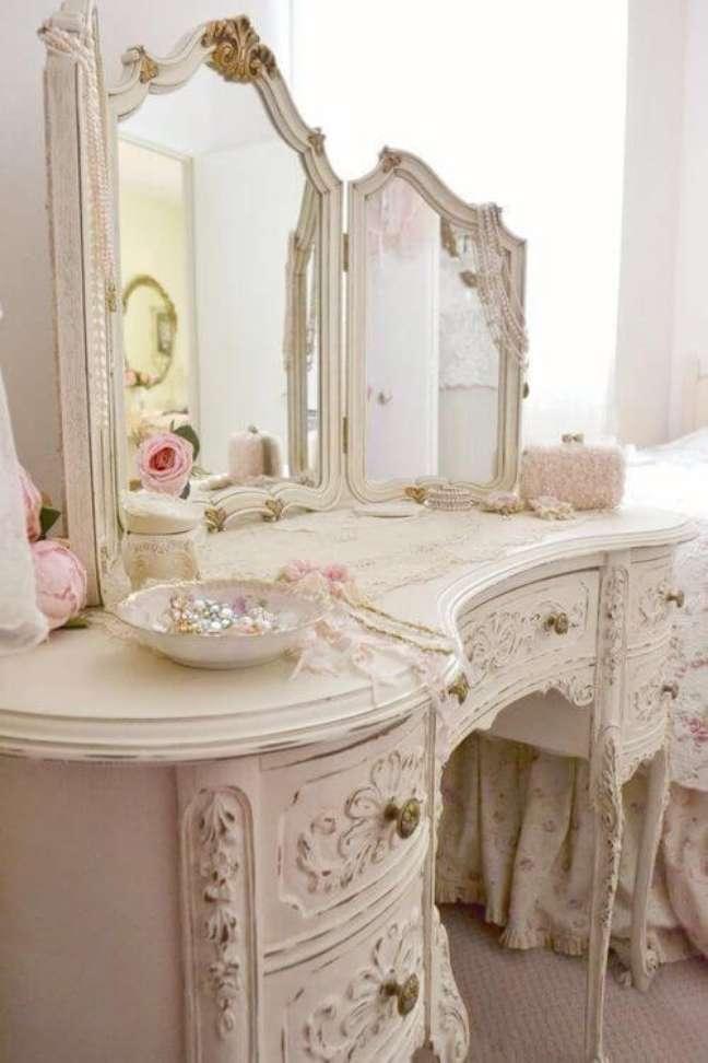 18. Decoração para quarto com móveis vintage e delicados – Foto Jadorelexie Couture