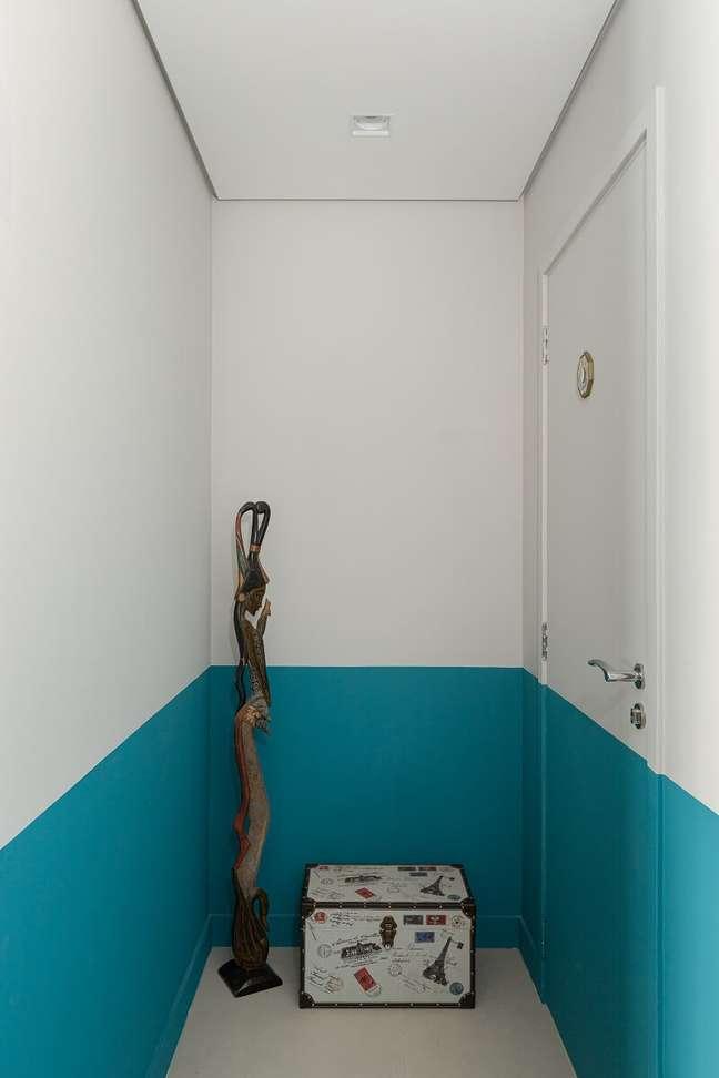 2. Próximo a porta de entrada é possível encontrar objetos afetivos. Foto: Gisele Rampazzo