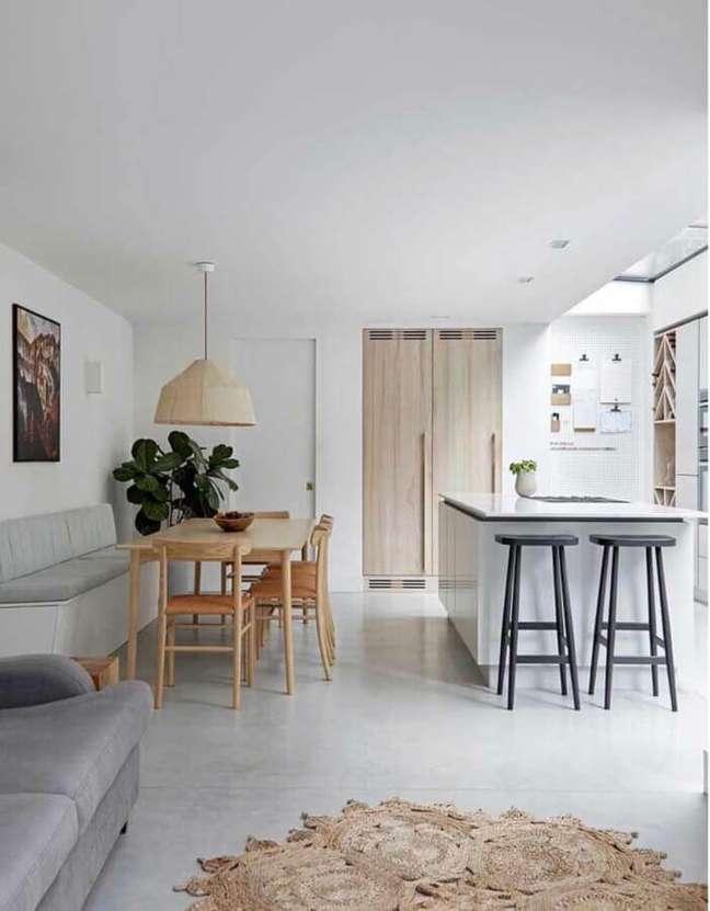 25. Cores claras para decoração de cozinha aberta com sala de jantar e estar integradas – Foto: Home Fashion Trend