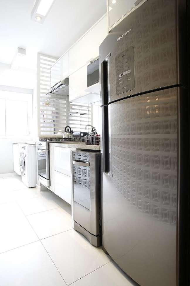 43. Permita que a iluminação natural entre com abundância na cozinha. Fonte: Marel Grupo Factory