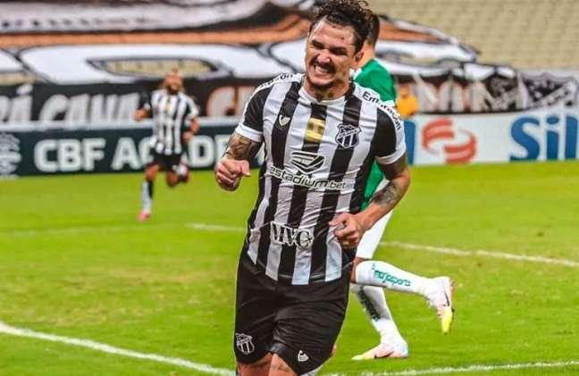 Vina marcou diante do Flamengo (Foto: Felipe Santos/Ceará SC)