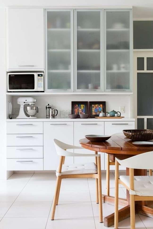 1. No feng shui decoração cozinha os itens devem se manter organizados. Projeto de Magalhães Estúdio