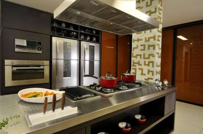 36. No feng shui cozinha evite usar panelas e demais utensílios danificados. Projeto de Fátima Mesquita Márcia Albiéri