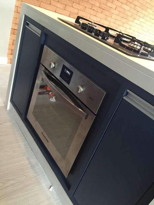 10. No feng shui cozinha é importante que você mantenha forno e fogão limpos. Projeto de Adriana Victorelli