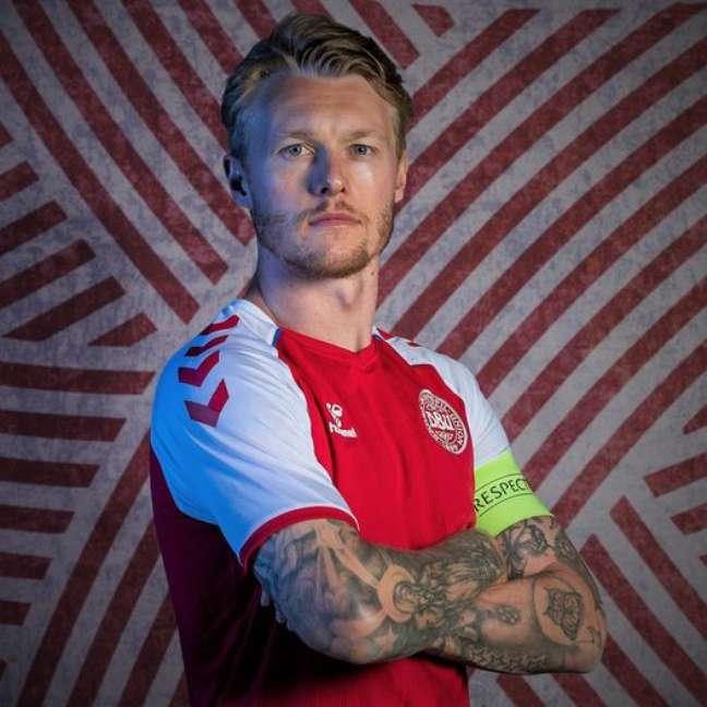 Simon Kjær, capitão da Dinamarca, receberá prêmio da Uefa