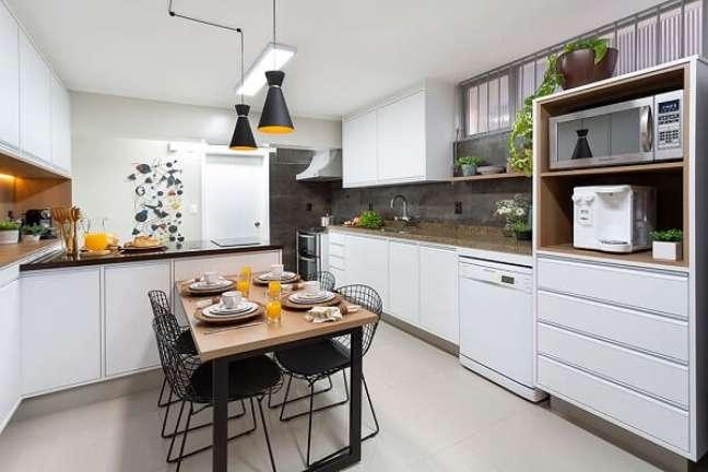 14. No feng shui na cozinha evite usar panelas e frigideiras danificadas. Projeto de Oliva Arquitetura