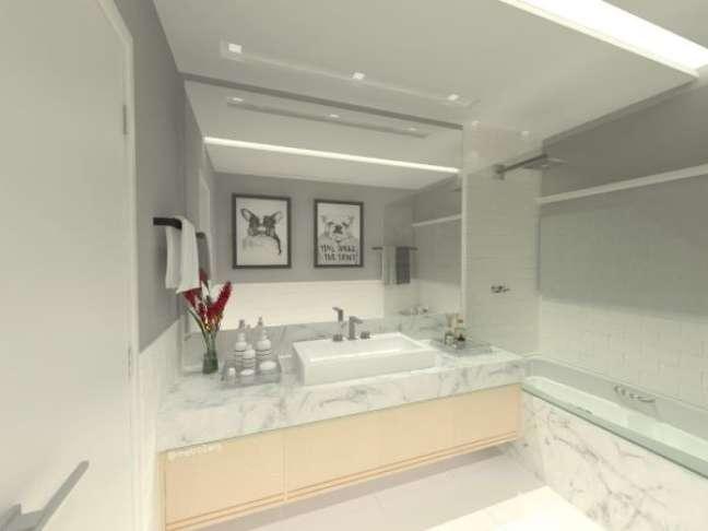 7. Banheiro com rodameio e revestimento marmorizado – Foto Mariana Junqueira