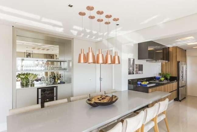 47. Preze por uma cozinha bem iluminada e ventilada. Projeto de Marí Aní Oglouyan