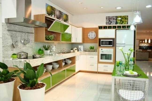 30. Feng Shui cozinha: vasos de plantas trazem frescor e boas energias para o ambiente. Fonte: Arkpad