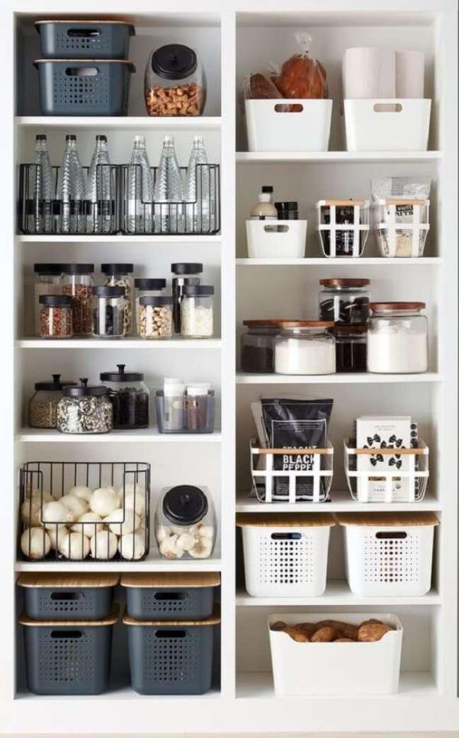 24. Feng shui cozinha: evite guardar em sua despensa ou geladeira potes quase vazios. Fonte: The Twinkle Diaries