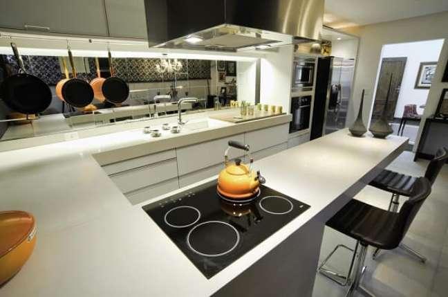 48. Procure utilizar todas as bocas do fogão. Projeto de Fabricio Roncca