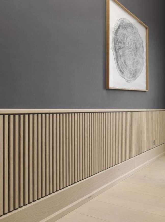17. Decoração de corredor com rodameio branco e cinza – Foto Next Luxury