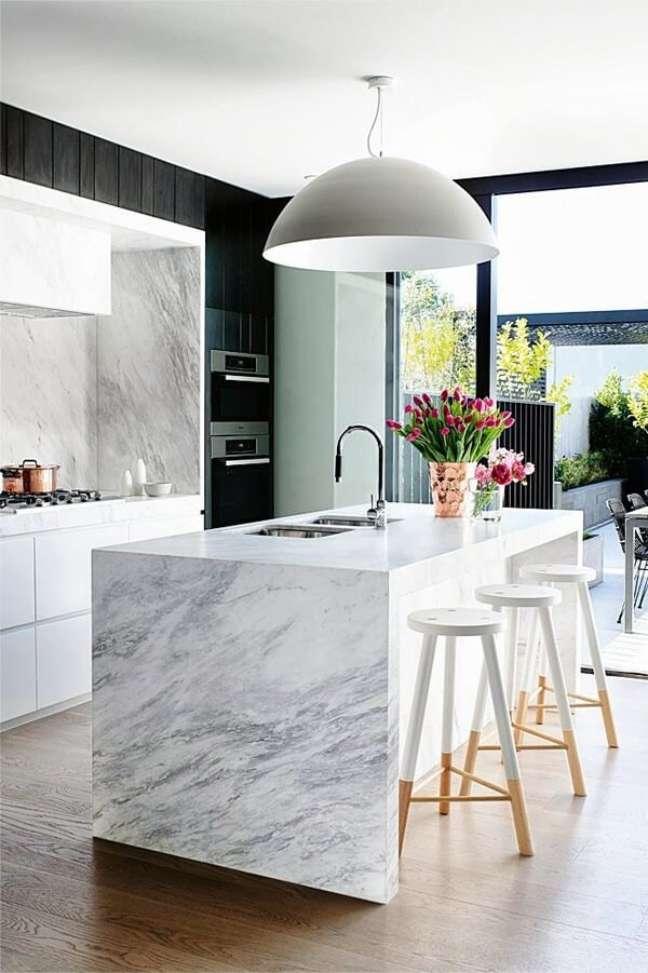 26. Feng shui cozinha: mantenha o ambiente bem ventilado e iluminado. Fonte: Anneli Bush