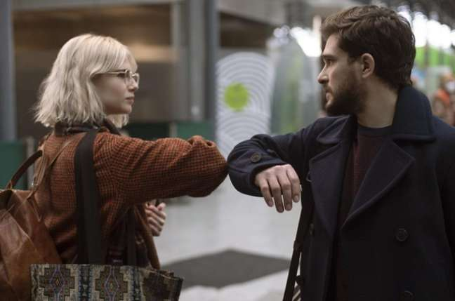 "Lucy Boyngton e Kit Harington em cena da série ""Amor Moderno"", na Amazon"