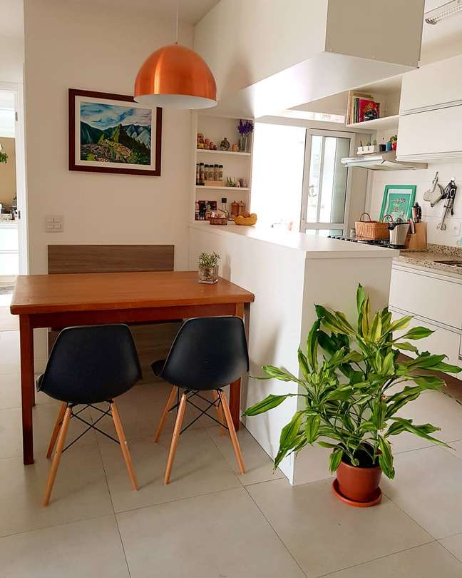1. Casa integrada com porcelanato para cozinha branca e moderna – Foto Eleven