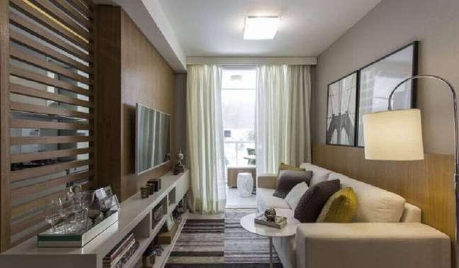 59. Ideias de cores para sala pequena e moderna decorada com móveis planejados – Foto: Sesso & Dalanezi Arquitetura