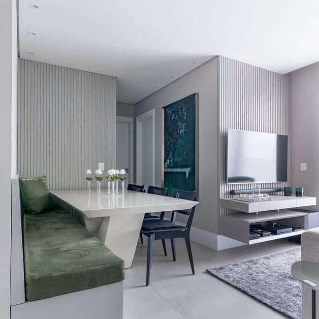 45. Cores para sala pequena de apartamento cinza decorado com ambientes integrados – Foto: BF Arquitetas