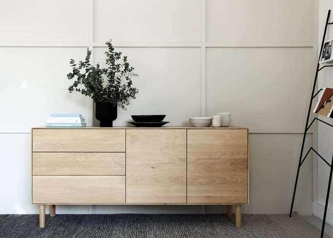 53. Decoração estilo escandinavo para quarto com cômoda de madeira clara – Foto: Unsplash