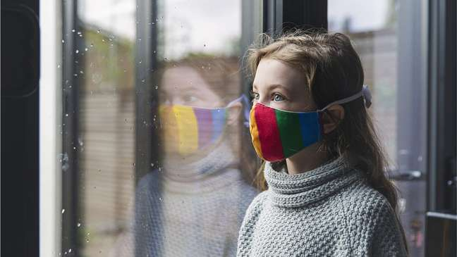Relatório afirma que foi dada 'atenção insuficiente' a como crianças e jovens seriam afetados pela pandemia
