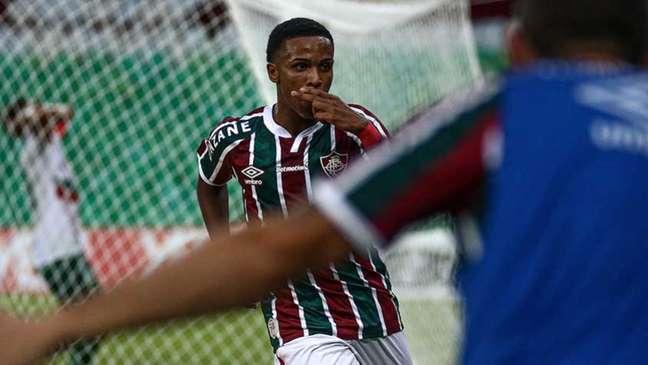 Kayky estreou no profissional do Fluminense na atual temporada (Foto: Lucas Merçon/Fluminense FC)